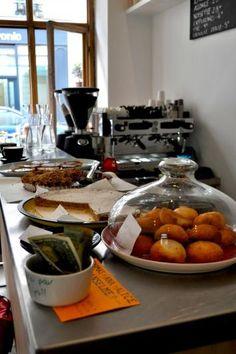 Ten belles à Paris! Best coffee place, ever!!!