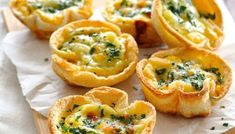 Mini quiches made using sandwich bread! Filled with bacon, cheese and egg mixture. Cute mini quiches made using plain old sandwich bread. Who can possibly resist these? Makes 6 quiches servings). Mini Quiches, Quiche Recipes, Brunch Recipes, Breakfast Recipes, Brunch Ideas, Breakfast Ideas, Appetizer Recipes, Breakfast And Brunch, Breakfast Quiche