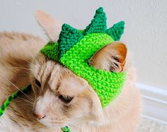 Dinosaur Cat Hat - Green and Lime - Hand Knit Cat Hat - Cat Halloween Costume Crochet Dog Sweater, Knitted Cat, Chat Crochet, Crochet Toys, Crochet Pet, Halloween Crochet, Halloween Cat, Dinosaur Halloween, Halloween 2016