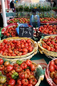 Heirloom tomatoes at the farmer's market in France~