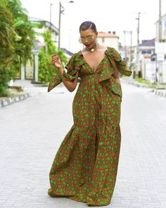 African Attire, African Dress, Braids For Short Hair, Short Hair Styles, African Women, African Fashion, African Blouses, Glamour, Afro