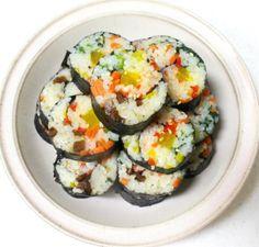 모르면 손해!!예쁘고 이색적인 김밥 12가지 종류 Korean Side Dishes, Asian Recipes, Ethnic Recipes, Tasting Room, Appetisers, Korean Food, Tasty Dishes, Sushi, Lunch Box