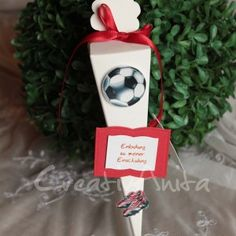 Einladung - Schultüte zum 1. Schultag Christmas Ornaments, Holiday Decor, Invitation Text, Cardboard Packaging, First Day Of School, Invitation Cards, Invitations, Christmas Jewelry, Christmas Decorations