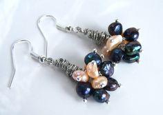 Boucles d'oreille avec des perles d'eau douce noires et par Adrimag