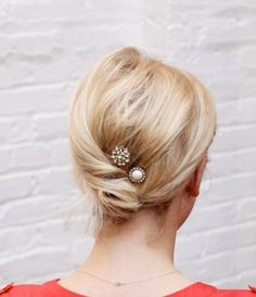 Low buns on a blushing bride. Gotta love 'em, but there's so much more to explore. We love (maybe even lurve) to experiment with various updos—and when it comes to the big day, we're not messing around. Only the best for you, pals! Whether the vibe is classic or bohemian, beachy or Bardot, we've rounded up 21 of the most ravishing wedding hairstyles for brides-to-be.