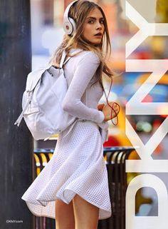 La modelo del momento, Cara Delevingne es la nueva imagen de DKNY para la temporada de verano 2013, http://www.mujerdemoda.net/2012/12/cara-delevingne-para-dkny-primavera.html
