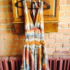 Tye Dye Halter Dress!!! Earth tone tye dye halter dress. The inside lined with and made with 100% polyester. Great condition, super cute and form fitting. Great for any formal!!!! Dresses