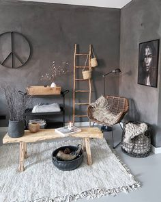 Stylish and cozy interior located in Netherlands. Home Living Room, Living Room Designs, Living Room Decor, Moderne Lofts, Piece A Vivre, Minimalist Home Decor, Interior Decorating, Interior Design, Cafe Interior