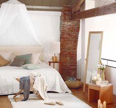 Dormitorio con mosquitera