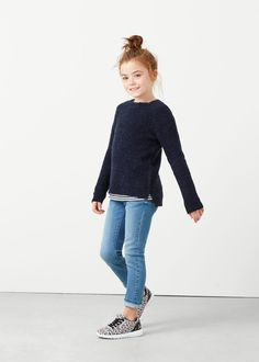Pull-over texturé laine Tween Fashion, Little Girl Fashion, Kids Outfits Girls, Toddler Outfits, Outfits Niños, Toddler Girl Style, Girls Sweaters, Kid Styles, My Baby Girl
