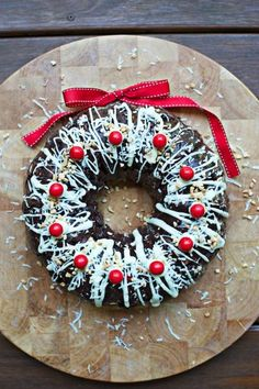 Rocky Road Christmas Wreath Recipe Is Full Of Holiday Cheer! Christmas Bunt Cake, Christmas Cupcakes, Christmas Desserts, Holiday Treats, Christmas Treats, Christmas Lunch, Christmas Cooking, Christmas Goodies, Christmas Entertaining