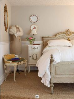 French inspired bedroom..love that gold bench