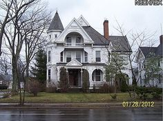Built in 1890, Queen Anne Style Mansion located in  Warren, Ohio, USA Listed for $22,900 in 2012...