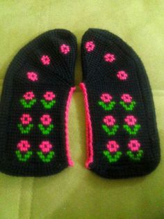 Çetik, süslü püslü Knitting Socks, Gloves, Crochet Patterns, Mavis, Crafts, Slipper, Espadrilles, Punto De Cruz, Over Knee Socks