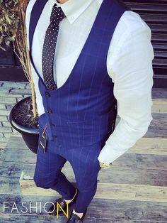 Len za 44,90 €! Exkluzívna kolekcia pánskych kompletov, skladom viac ako 20 modelov! Expresné dodanie do 24 hod! Bezplatné vrátenie do 30 dní! Limitované množstvo - kúpiš jedine u nás! #fashionformen  #dnesnosim #dnesnakupujem #fashionformensk #menstreetstyle #menstyle #slovakboy #komplety Vest, Jackets, Dresses, Fashion, Down Jackets, Gowns, Moda, La Mode, Jacket