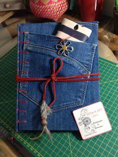 Caderno em jeans, miolo papéis pólen e costura belga secreta
