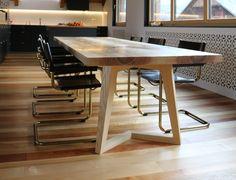 3 Meter langer Tisch in Esche massiv
