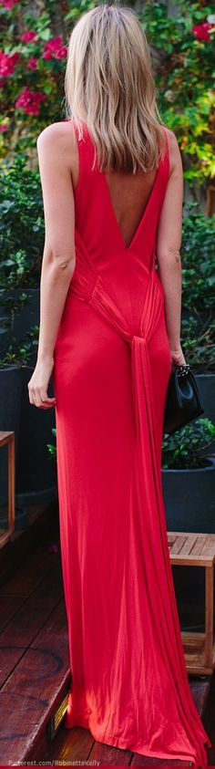 Glamorous Street Style…….CAPTION TO ME IS MISLEADING….WHO IS GONNA WEAR THIS ON THE STREET???……………..ccp