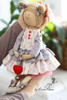 Lucias handmade Toy 2, Vintage Crafts, Fairy Dolls, Plushies, Beautiful Dolls, Doll Toys, Doll Clothes, Creative, Fabric