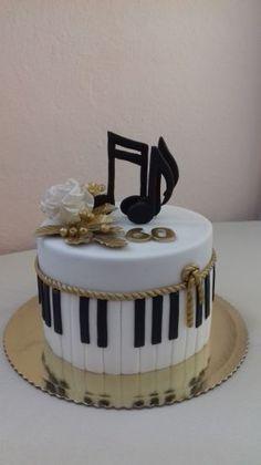 Birthday cake by Aliena - Cake Decorating Simple Ideen Music Birthday Cakes, Music Themed Cakes, Music Cakes, 13 Birthday Cake, Adult Birthday Cakes, Birthday Cake Decorating, Birthday Cake Design, Simple Birthday Cakes, Birthday Cake Models