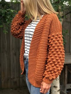 Poet Cardigan Crochet pattern by Little Golden Noo - Tricot Pontos Crochet Cardigan Pattern, Crochet Jacket, Pull Crochet, Knit Crochet, Crochet Sweaters, Chunky Crochet, Stylish Outfits, Fall Outfits, Pretty Outfits