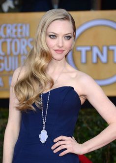 Amanda Seyfried in Zac Posen and Lorraine Schwartz pendant, 2013 SAG Awards
