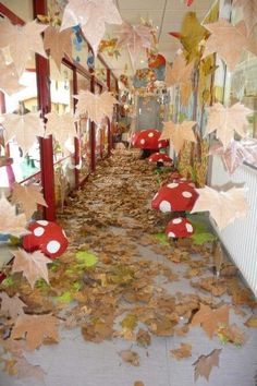 Autumn - New Deko Sites Autumn Crafts, Fall Crafts For Kids, Nature Crafts, Art For Kids, Diy And Crafts, Kids Diy, Fall Preschool, Preschool Crafts, Paper Mache Flowers