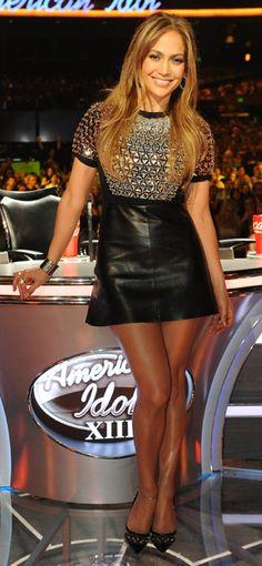 #moda - Per #Jennifer #Lopez un #mini-dress in #pelle nera di #Gucci per il gran finale della 13esima edizione di American Idol.http://www.sfilate.it/226116/per-jennifer-lopez-mini-dress-in-pelle-nera-gucci