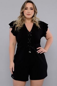 Discover recipes, home ideas, style inspiration and other ideas to try. African Fashion Skirts, African Men Fashion, Africa Fashion, Looks Plus Size, Plus Size Model, Plus Size Tops, Plus Size Party Dresses, Plus Size Outfits, Plus Size Romper