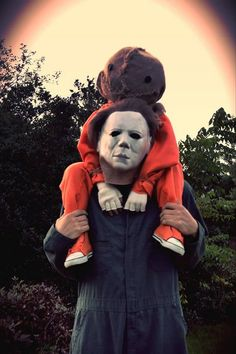 Halloween Trick 'r Treat - Michael Myers and Sam Halloween Quotes, Halloween Movies, Halloween Horror, Scary Movies, Fall Halloween, Horror Movies, Horror Movie Costumes, Funny Horror, Halloween Pictures