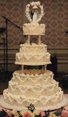 Haegele's Bakery is a Philadelphia German Bakery in the Mayfair section of the city. Wedding Cake Base, Ivory Wedding Cake, Wedding Cake Images, Big Wedding Cakes, Wedding Anniversary Cakes, Amazing Wedding Cakes, Wedding Cake Rustic, Elegant Wedding Cakes, Wedding Ideas