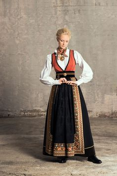 Traditional Fashion, Traditional Dresses, Historical Costume, Historical Clothing, Norwegian Clothing, Costume Ethnique, Scandinavian Fashion, Period Outfit, Folk Costume