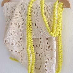 elisabethandree crochet yellow-edged blanket