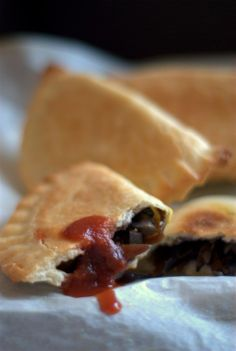 vegan chinese style panzerotti - with sweet-and-sour sauce