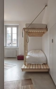 Pallet Bunk.  #pallets  #bedroom  #diy  #bed