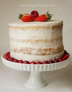 Nahá torta s malinami a mascarpone krémom