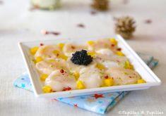 Carpaccio de Saint Jacques, mangues et oeufs de lump. Plus d'idées recettes spécial Noël ici : http://www.enviedebienmanger.fr