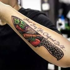 What does knife tattoo mean? We have knife tattoo ideas, designs, symbolism and we explain the meaning behind the tattoo. Food Tattoos, Body Art Tattoos, Sleeve Tattoos, Knife Tattoo, Dagger Tattoo, Best Tattoos For Women, Tattoos For Guys, Koch Tattoo, Essen Tattoos