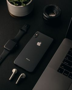 Space gray iphone x and apple watch Black Wallpaper, Iphone Wallpaper, Poetry Wallpaper, Bracelet Apple Watch, Bracelet Sport, Accessoires Iphone, Ipad, Black Apple, Iphone Accessories