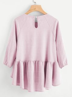 Raglan Sleeve Ruffle Dip Hem Grid Blouse -SheIn(Sheinside) Hijab Fashion, Blouse Designs, Style Me, Bell Sleeve Top, Cream Pies, Peplum Tops, Hijab Styles, Banana Cream, Tunics