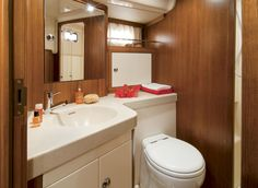 Badezimmer in der Sunbeam 53.2  #yachtlife