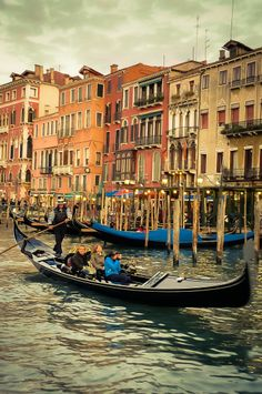 Italy Travel Brochure | Grand Canal, Venice, Italy | the perfect travel brochure