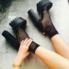 - Soft Grunge Black High Heels – Shop for Soft Grunge Black High … Soft Grunge Noir Talons hauts – Shop pour Soft Grunge Noir Haute … High Heels Shop, High Heels Outfit, Black High Heels, Black Boots, Shoes Heels, Pumps, Dream Shoes, Crazy Shoes, Me Too Shoes