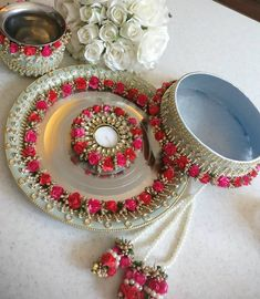 Karwachauth is just 20 days away! Shop these platters now! Set includes four… Arti Thali Decoration, Diwali Decoration Items, Handmade Decorations, Diwali Candle Holders, Diwali Candles, Gift For Raksha Bandhan, Karwa Chauth Gift, Diy Candles Design, Housewarming Decorations