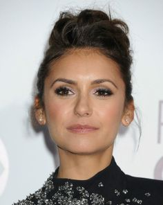 Nina Dobrev - People's Choice Awards 2014 (08-Jan/Ene-2014)