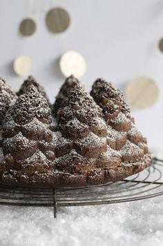 ... chocolate mulled wine bundt cake ...