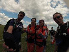 Thumbs up if you're excited! #skydiving  http://www.gojump.de/en.html