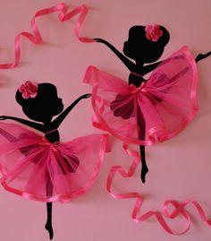Original tanzen Ballerinas Gemälde mit Tüll, verziert silk Ribbon und gestaltete Rozes. Der Hintergrund und Ballerinas sind mit Acrylfarbe gemalt und mit hellen Mantel Lack fertig.  Leinwandgröße: 12 X 12