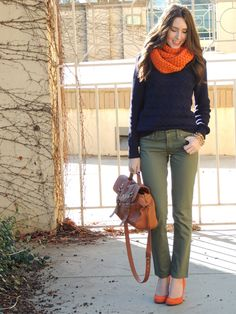 Love the color combo. Pairing my olive skinnies with my navy sweater is a must. Casual Work Outfits, Work Casual, Cute Outfits, Olive Pants Outfit, Olive Skinnies, Autumn Winter Fashion, Fall Fashion, Autumn Style, Street Fashion
