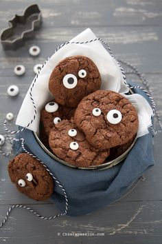 Cookies al cioccolato - Biscotti per Halloween Swiss Chard Recipes, American Cake, Cooking With Kids, Cake Cookies, Gingerbread Cookies, Cookie Recipes, Buffet, Cake Decorating, Deserts